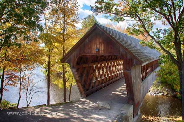 Henniker-covered-bridge