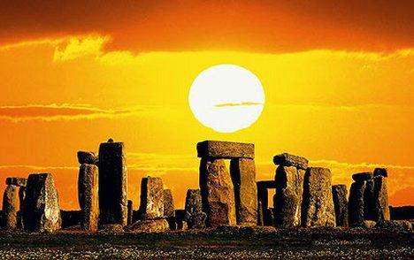 Stonehenge2SAT_428x269_to_468x312