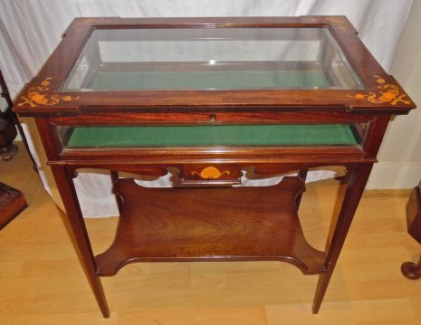 an-english-art-nouveau-mahogany-vitrine-table